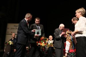 Nagrodę w 2013 r. wręczał Minister Kultury i Dziedzictwa Narodowego Bogdan Zdrojewski