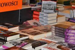 Wydawnictwa akademickie spóźniają się z tytułami na październik, gdy wiadomo, że sprzedaż w tym miesiącu jest największa – rozmowa z Anną Niedośpiał z GKN w Krakowie
