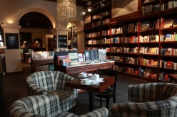 Książka i kawa – para bardzo zgrana
