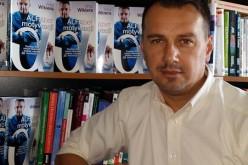 Wydawnictwo Poltext odwiedził autor ALFAbetu motywacji, Artur Wikiera i podpisał książki