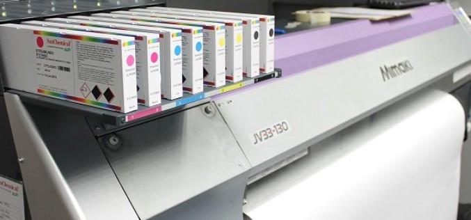 Customark z sukcesem wdraża innowacyjne atramenty solwentowe z serii Streamline