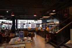 Tradycyjne księgarnie są skazane na klęskę. Ratunkiem kawa i catering
