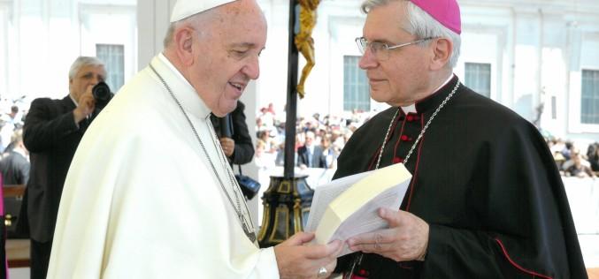 """""""Obecnie chrześcijaństwo jest obiektem rozpowszechnionej nienawiści"""""""