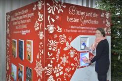 Automat wymieni niechciane prezenty świąteczne na książki. Ciekawa inicjatywa w Niemczech