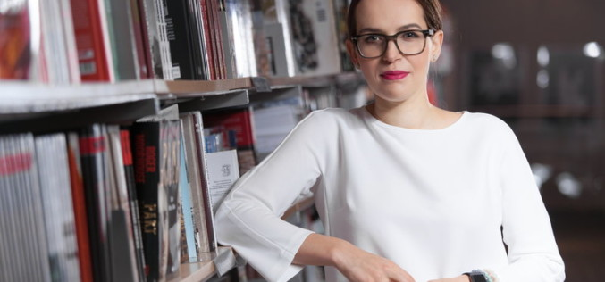 Ewa Szmidt-Belcarz: literatura tłumaczy rzeczywistość