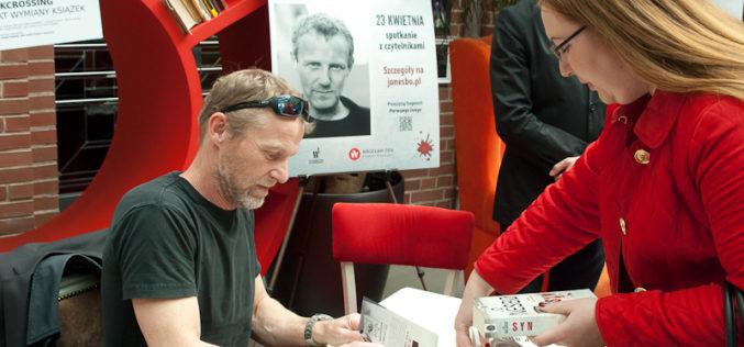 Jo Nesbø we Wrocławiu. Tłumy fanów na spotkaniu z norweskim pisarzem