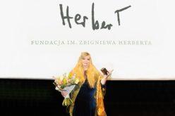 Nuala Ní Dhomhnaill odebrała Międzynarodową Nagrodę Literacką im. Z. Herberta 2018.