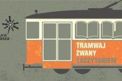 Tramwaj Zwany Zaczytaniem w centrum Szczecina