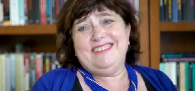 """""""Nie ma idealnych przekładów"""" – wywiad z Clare Cavanagh"""