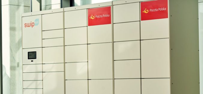 Paczkomaty Poczty Polskiej w sklepach Biedronki jeszcze przed wakacjami