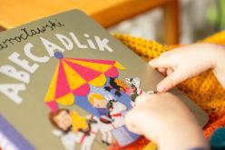 Mądrze i pięknie dzieciom   pięć książek dla małych czytelników na Dzień Dziecka
