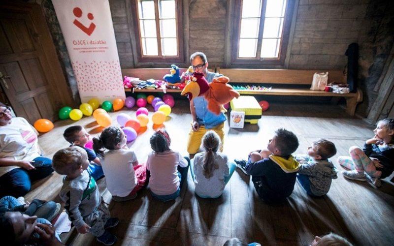 W Gdyni! W Sopocie! Na całym świecie!  Od 1 lipca startują zapisy na Międzypokoleniowy Festiwal Literatury Dziecięcej – Ojce i Dziatki!
